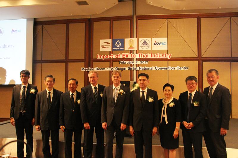 """กลุ่มบริษัทอินโนเวชั่น ร่วมกับสมาคมโพลิเมอร์ฯ จัดงานสัมมนาเชิงวิชาการ หัวข้อ """"ผลกระทบจากรถไฟฟ้าต่อธุรกิจและอุตสาหกรรม (Impact of EV to Thai Industry)"""""""